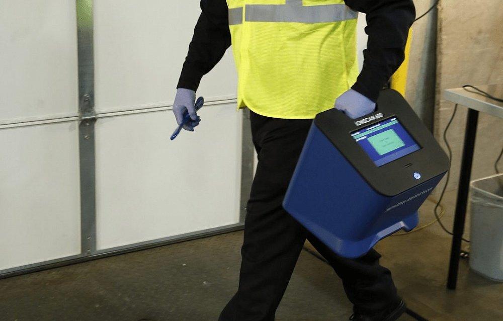 детектор взрывчатых и наркотических веществ IONSCAN 600